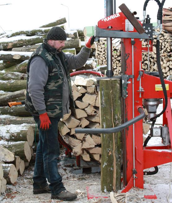 łupanie drewna polano drewno kominkowe
